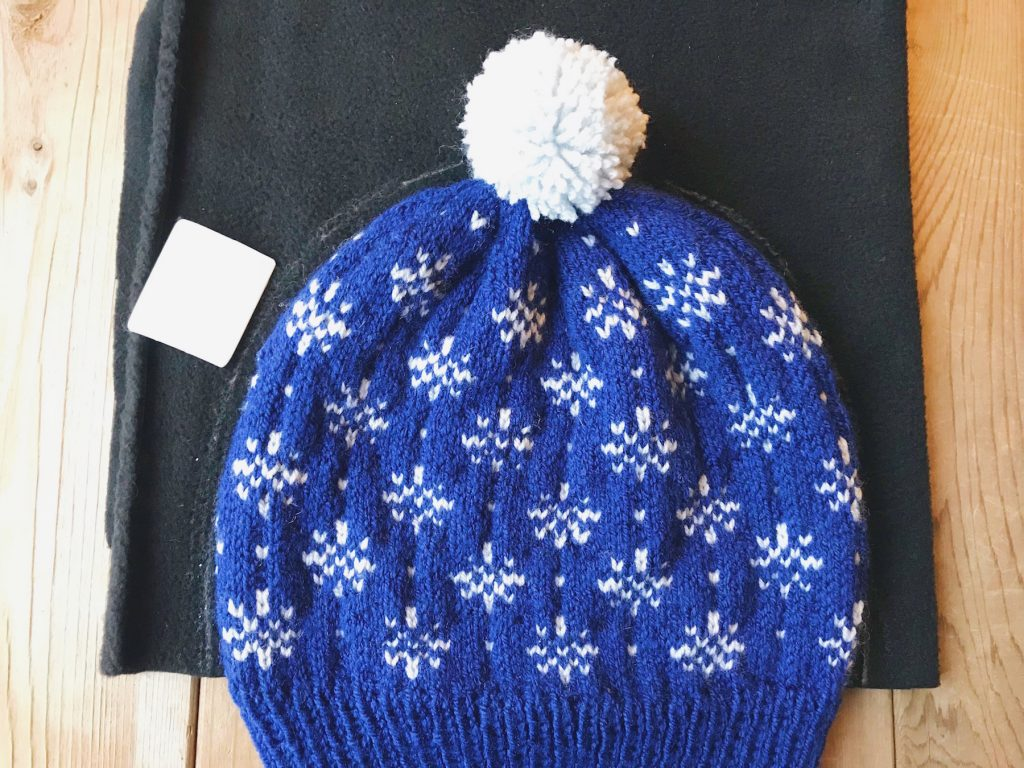 How to line a knitted hat with fleece - step 2