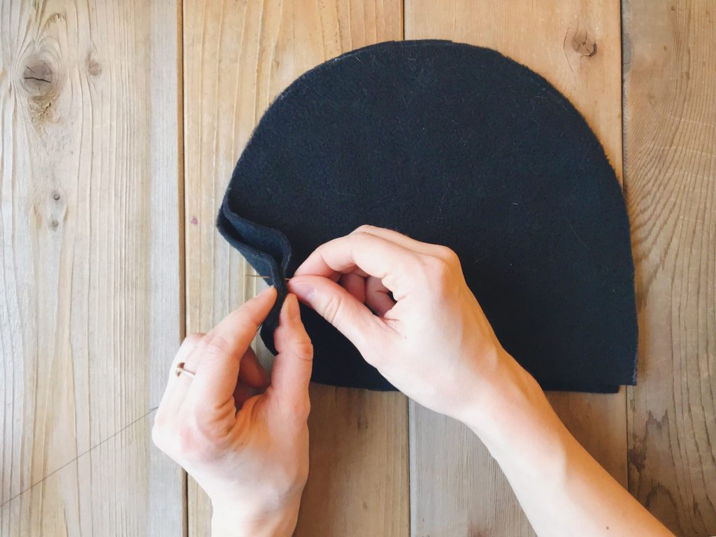 How to line a knitted hat with fleece - step 4